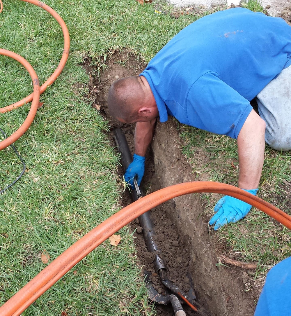 TRENCHLESS TECHNOLOGY METHOD REPAIR